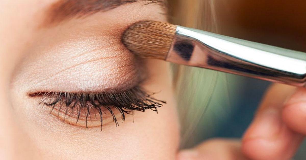 Trucco occhi semplice in 3 step facili da seguire