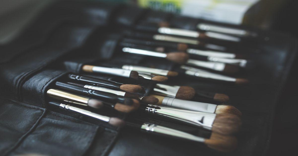 Come pulire i pennelli trucco