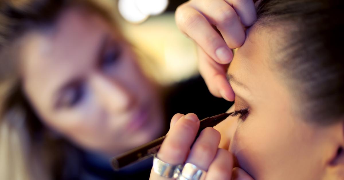 Mettere l'eyeliner: i consigli della make-up artist