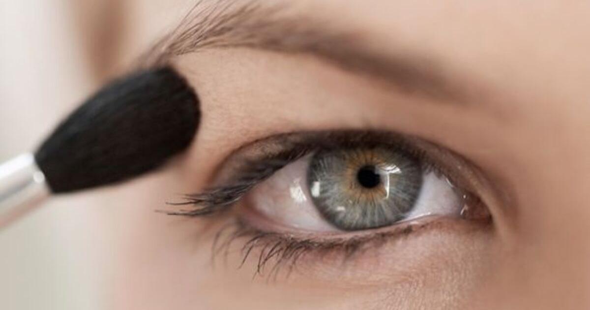 Come truccare gli occhi con la palpebra cadente