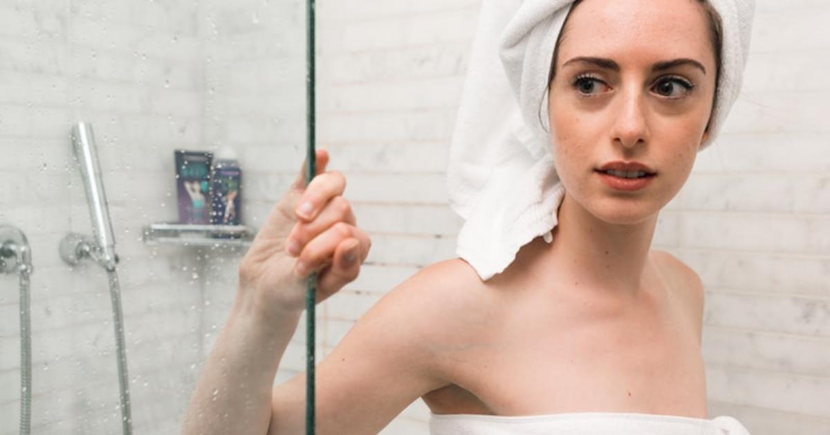 Le 6 abitudini di bellezza da avere sotto la doccia