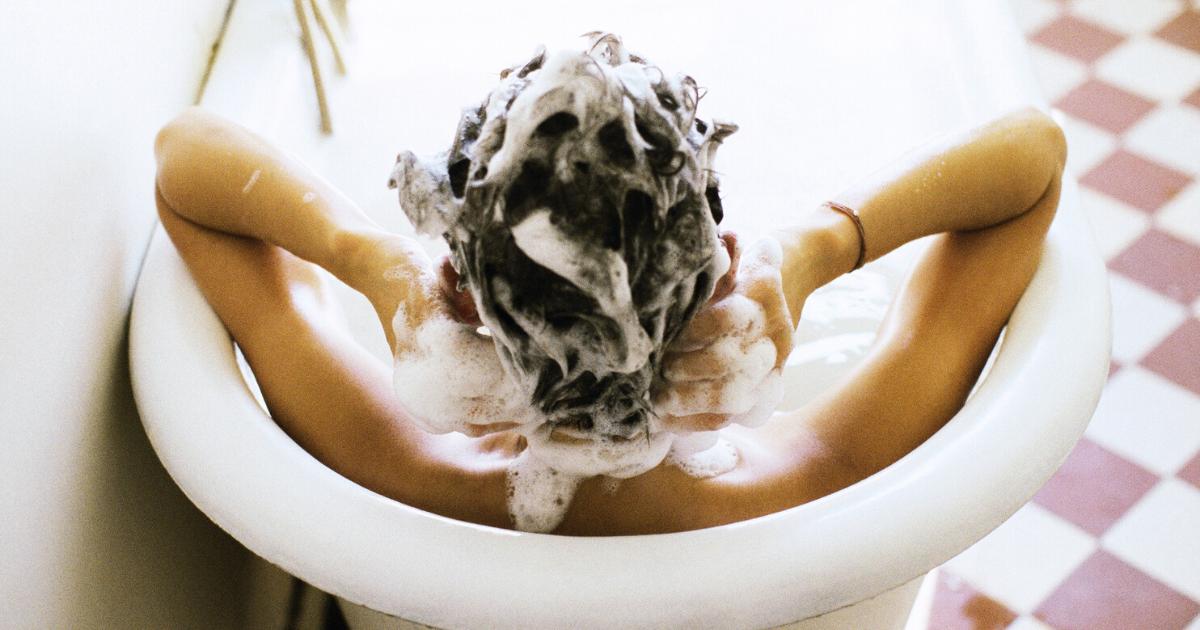 Come scegliere un buono shampoo inci, segreti e consigli per capelli al top!