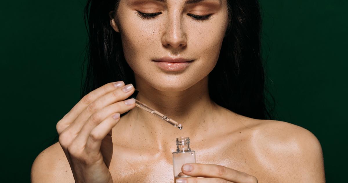 Quando si usa il siero viso? Come scegliere il prodotto giusto per la pelle: benefici e usi