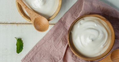 Maschera allo yogurt fai da te: 4 ricette e idee