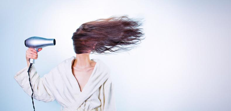 stress sui capelli phon