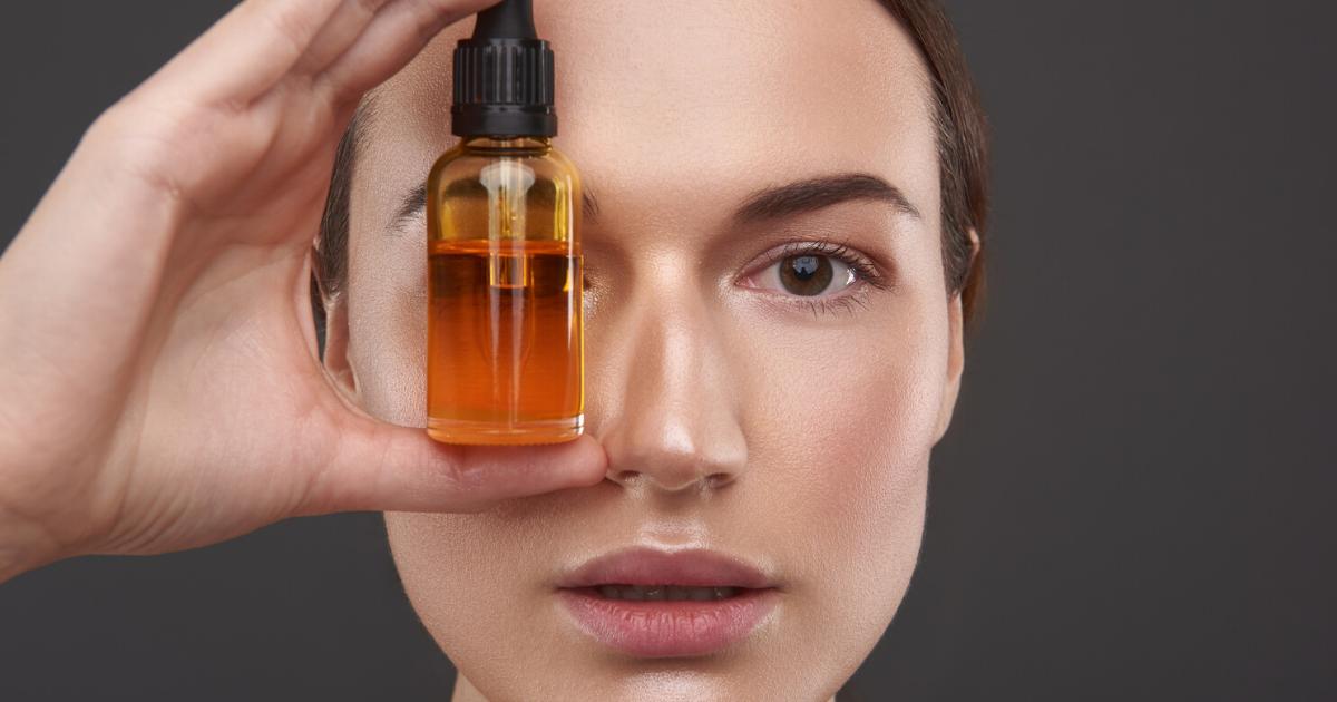 Olio viso: cos'è e come usarlo? Tutti i prodotti da conoscere