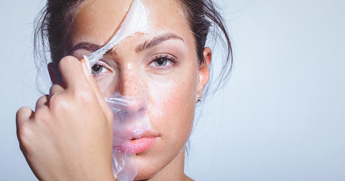Peeling viso: come farlo e quale esfoliazione scegliere?
