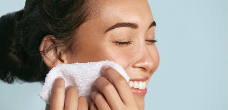 latte detergente pelle grassa