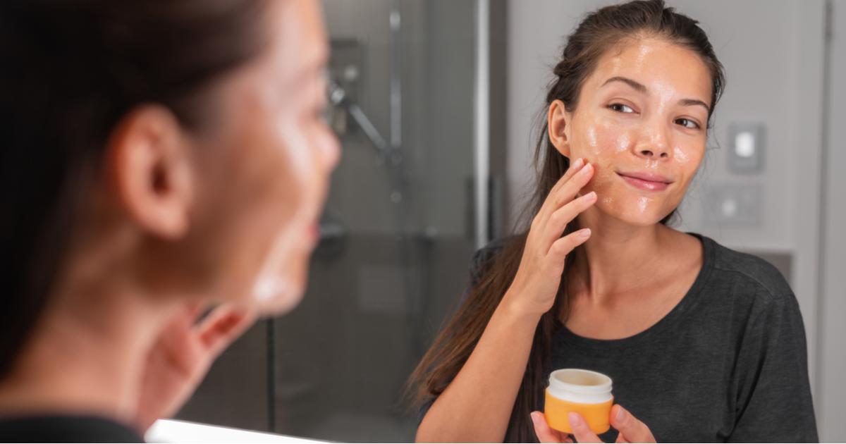 Layering: skincare a strati per il viso
