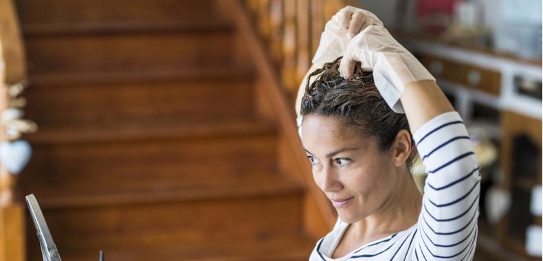 riflessante capelli a casa