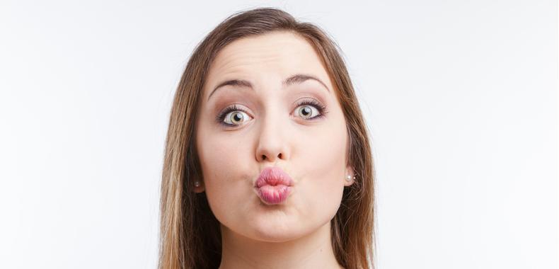 esercizio del bacio doppio mento