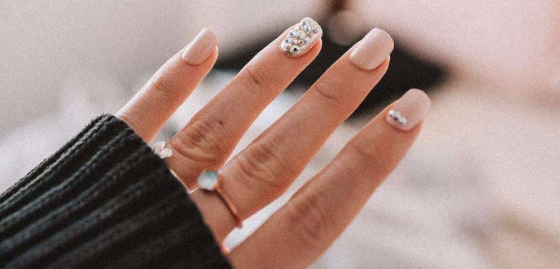 manicure unghie smalto