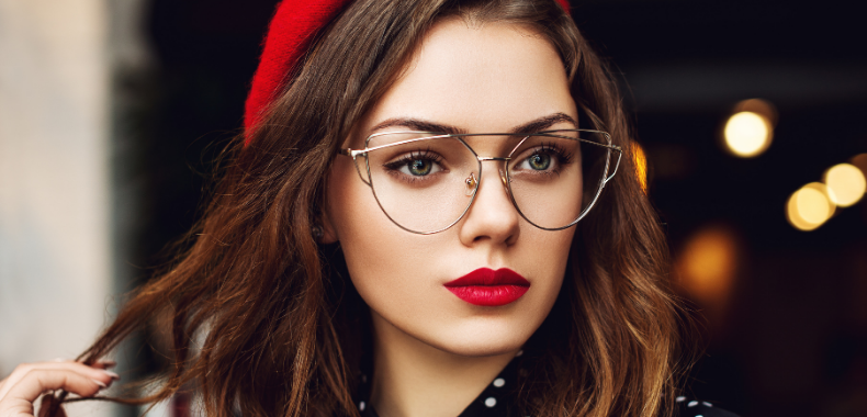 trucco-occhiali-labbra