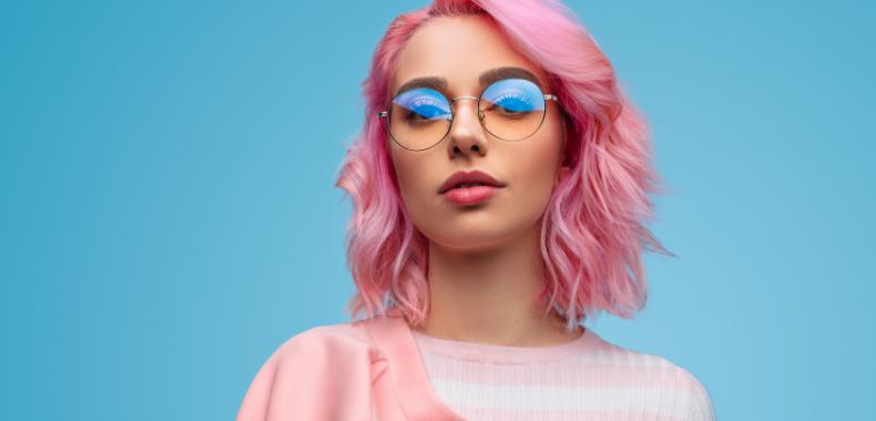 trucco-occhiali-lente-azzurra